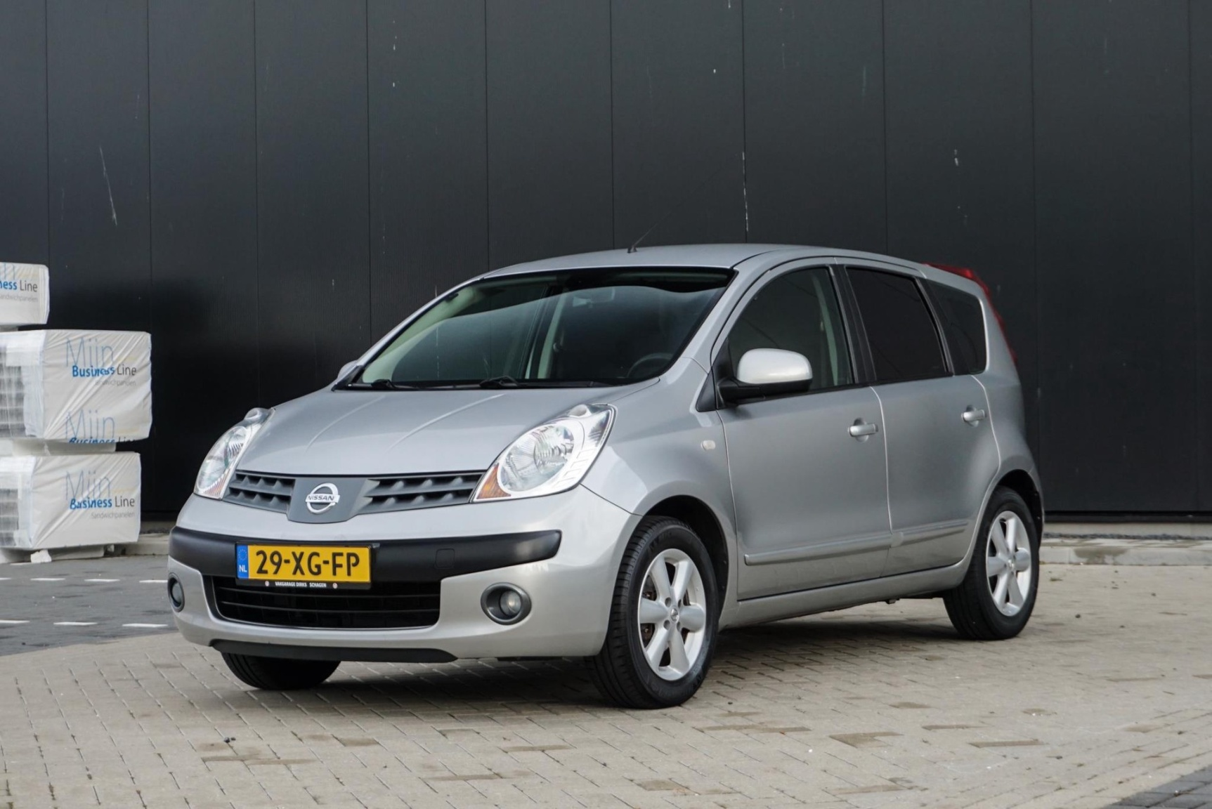 Nissan-Note-23