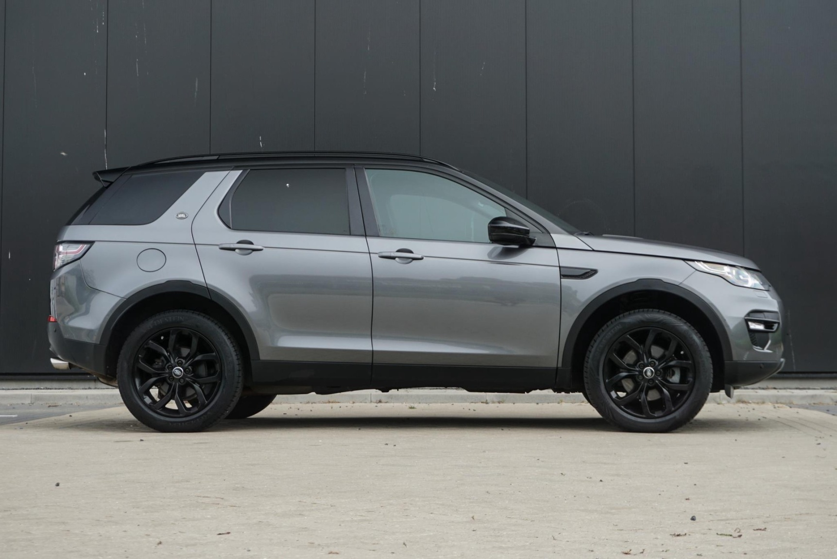 Land Rover-Discovery Sport-5